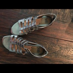 Sofft metallic sandals